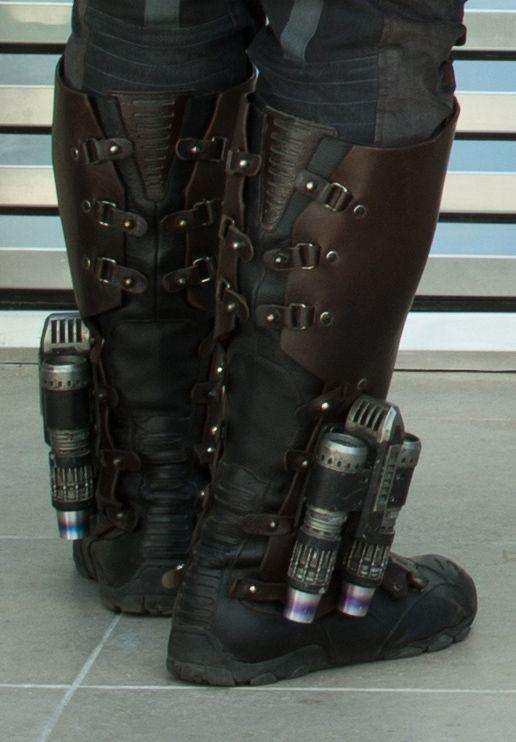 Marvel's Guardians Of The Galaxy..L to R: Peter Quill/Star-Lord (Chris Pratt) & Gamora (Zoe Saldana)..Ph: Jay Maidment..?Marvel 2014